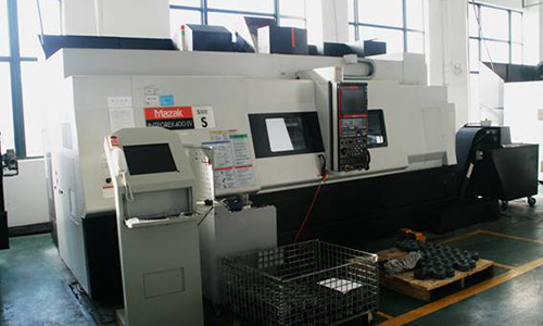 Mazak turning and milling machine tool