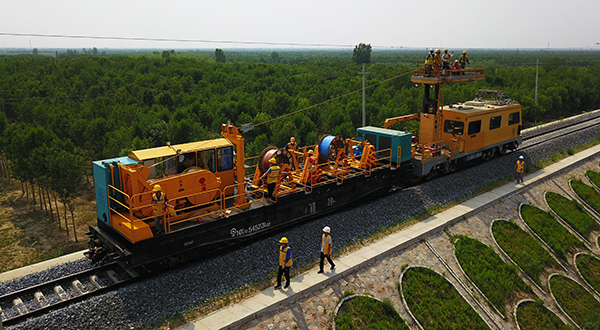 constant-tension-wire-line-truck1.JPG