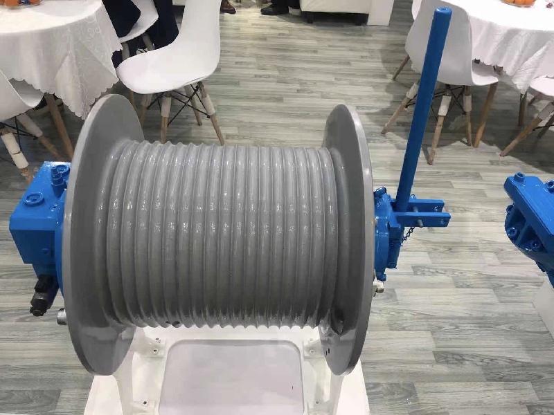ini hydraulic compact winch 1